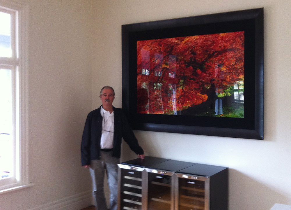 safely hanging heavy artworks, hanging heavy painting on plaster wall, hanging heavy painting